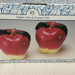 ArtWare Kitchen - Apple Salt and Pepper Shaker Fall Autumn NWT NIB